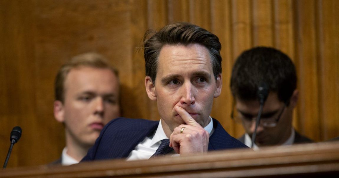 Josh Hawley Desires to Prohibit YouTube's Autoplay Function in the Name of Fighting Social Network Dependency